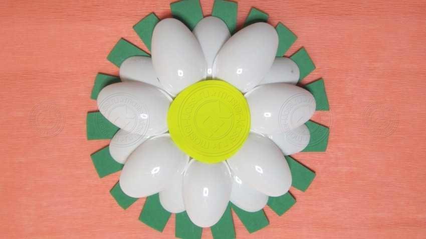 Поделка цветок ромашка из ложек своими руками: простая инструкция + мастер-класс с фото