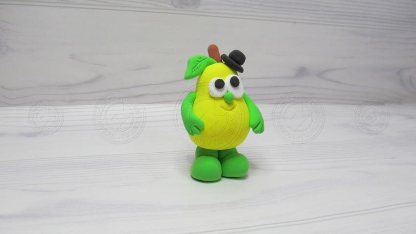 Груша из пластилина: простой способ лепки интересной поделки для детей (фото + инструкция)
