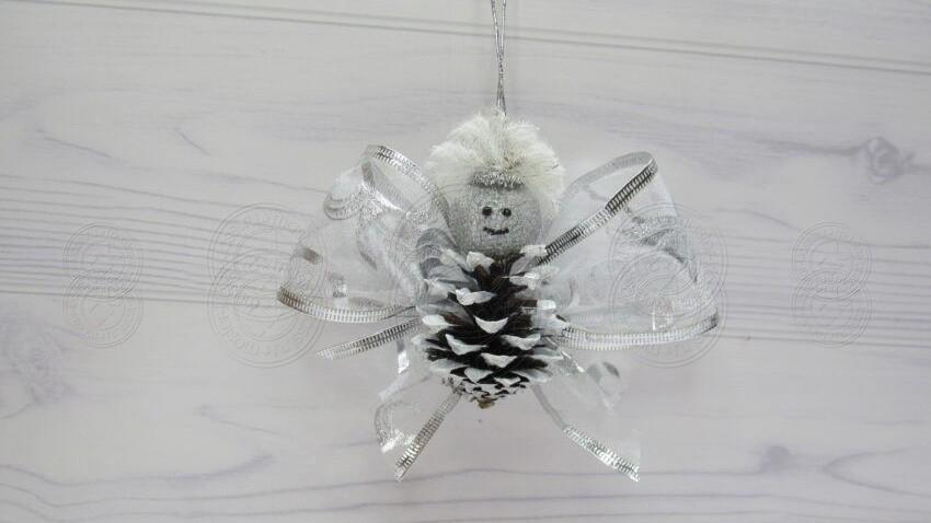 Ангелочек из шишки на Новый Год — урок создания красивой поделки своими руками
