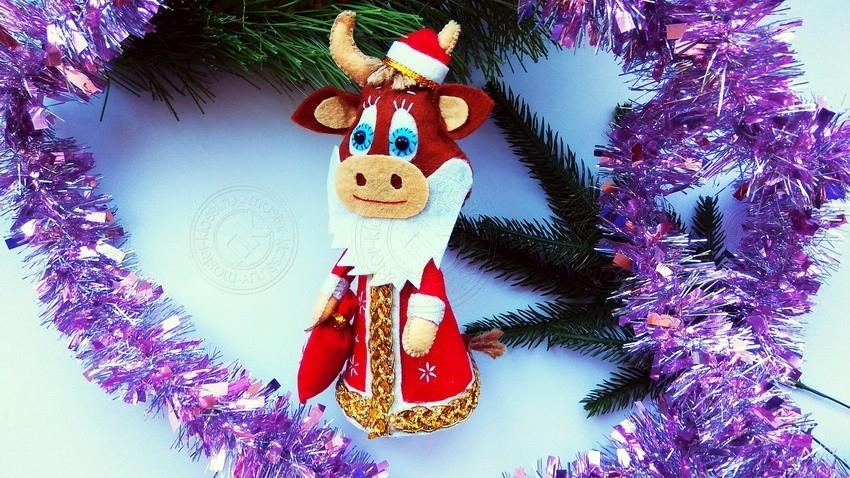Бычок Дед Мороз — поделка символ Нового Года 2021 — инструкция, как сделать своими руками
