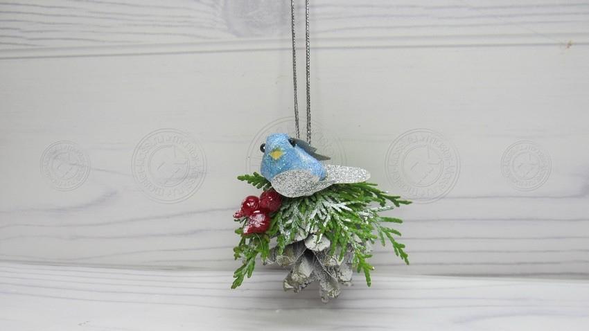 Птичка на шишке — инструкция, как сделать оригинальную поделку своими руками (30 фото)